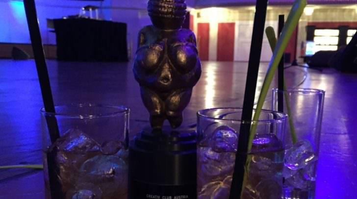 Der Bronze-Award Venus bei der After-Show-Party