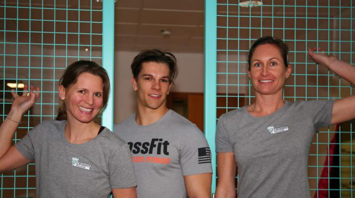 Erwarten den Gewinner bereits zum ersten Probetraining im CrossFit Villach: Ulla Zankl, David Rassl und Grete Passegger