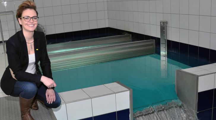 Stadträtin Katharina Spanring bei der Unionquelle im Hochbehälter Obere Fellach: 'Wir informieren die Bevölkerung mit interessanten Veranstaltungen, um den Wert des kostbaren Guts Wasser immer wieder in Erinnerung zu rufen