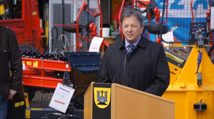 """""""Für mich als Bürgermeister ist es immer wieder eine Freude, wenn die Arnoldsteiner Wirtschaft in Form einer Messe ihre Schlagkraft unter Beweis stellt"""", Erich Kessler, Bürgermeister"""