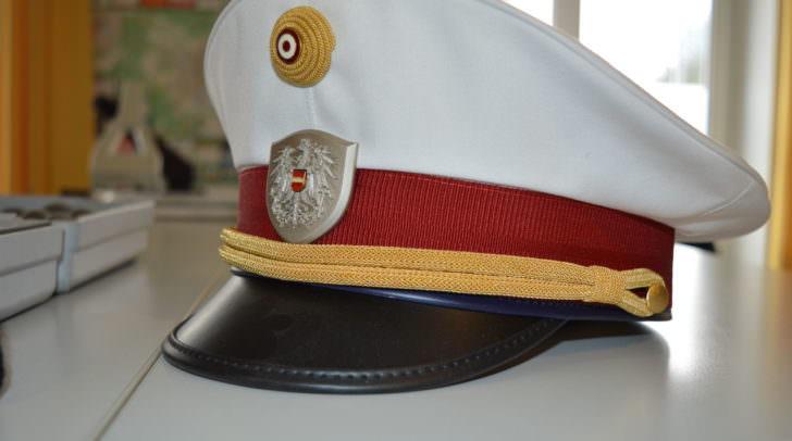 Beamte der Polizeiinspektion Velden mußten ein Betretungsverbot und eine Wegweisung aussprechen.
