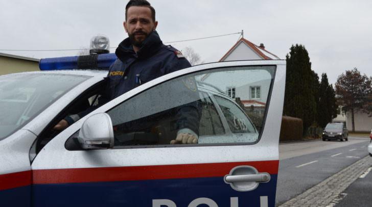 Revierinspektor Bernd Opriessnig vom Posten Landskron war mit seinem Kollegen Manfred Gruber auf Streife unterwegs - dann erfolgte die Alarmierung zum Einsatzort.