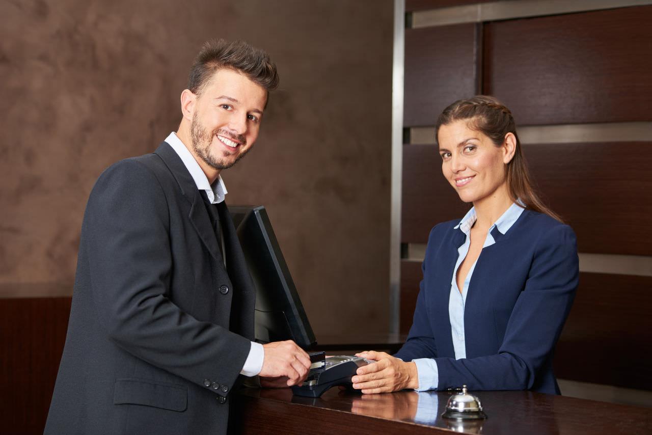 Hotel Service Rezeption Freundlichkeit