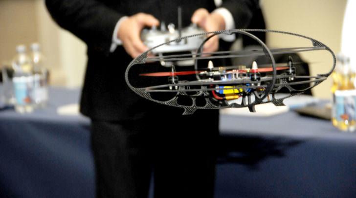 Erstes gemeinsames Projekt: der weltweit erste mit Infineon Microcontrollern gesteuerte Multicopter