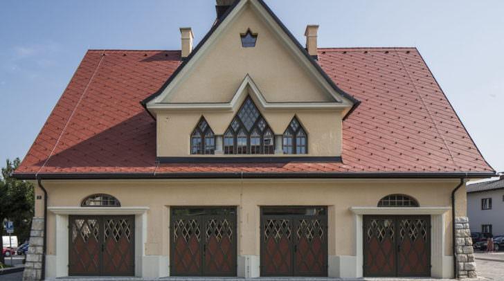 Das ehemalige Feuerwehrhaus wurde zum Architekturjuwel für die Veldner Bevölkerung wieder nutzbar gemacht. Das Gebäude steht auch unter Denkmalschutz