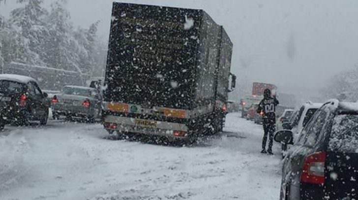 Stau und Stillstand auf allen Autobahnen rund um Villach!