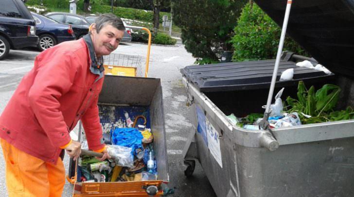 Johann Schober vom Veldener Wirtschaftshof ist nur einer der Vielen, der die Marktgemeinde Velden während dem GTI Ansturm sauber hält.