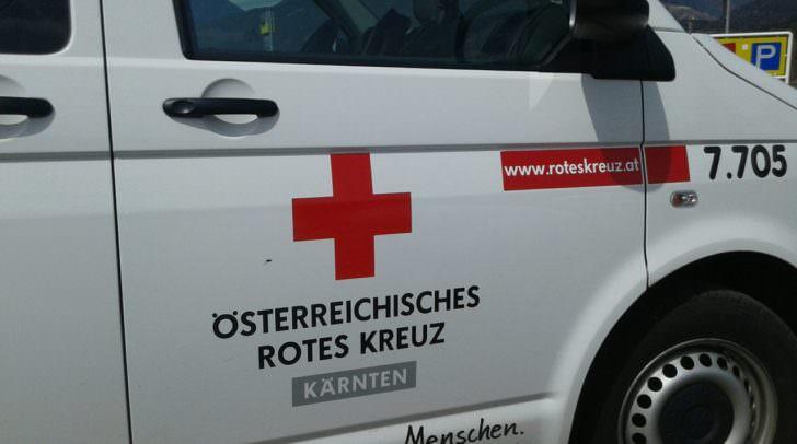 Die verletzte PKW-Lenkerin musste von der Rettung in das Krankenhaus Spittal/Drau gebracht werden.
