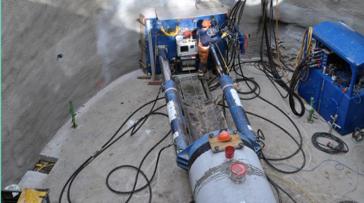 Graben in sechs Meter Tiefe: Kanalbau mit unterirdischem Spezialverfahren