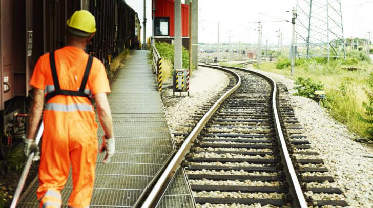 Die ÖBB investiert rund zwei Milliarden Euro bis 2021 – 30.000 Arbeitsplätze sollen damit gesichert werden