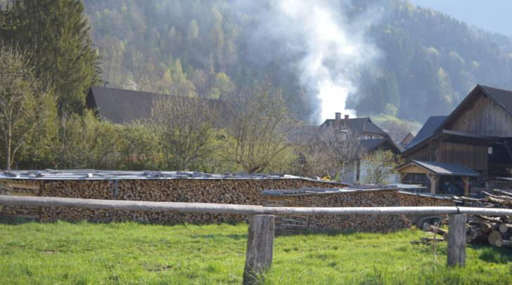Noch immer Rauchschwaden über dem Ortsteil Saak