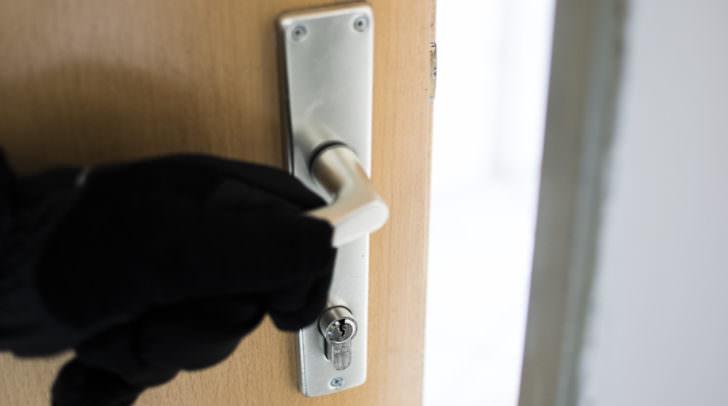 Einbruch Wohnung Diebstahl Polizei