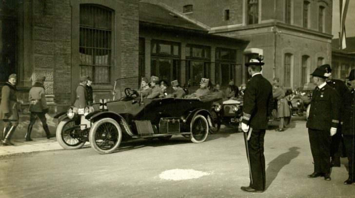 Empfang des Thronfolgers in Villach  warsch 1915 oder Frühjahr 1916