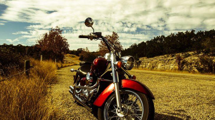 motorrad verkehr straße motorcycle-552787_960_720