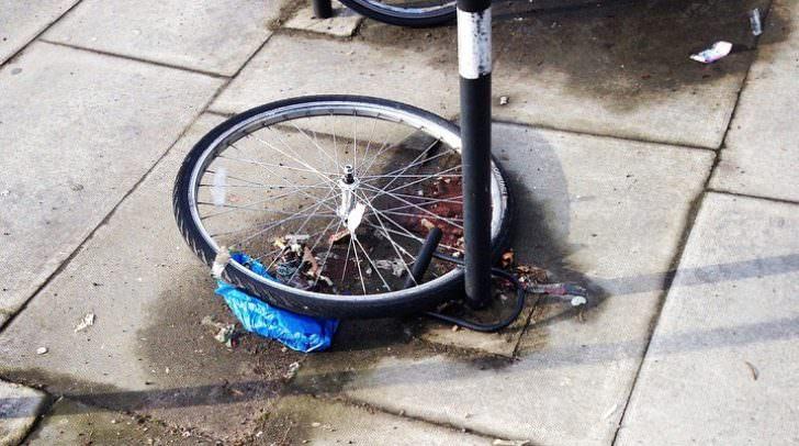 stolen-439289_960_720 fahrrad diebstahl