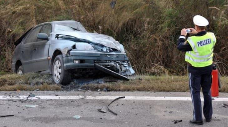 verkehrsunfall autounfall polizei