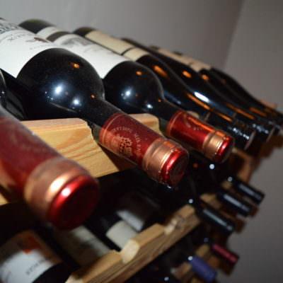 Auch ein feiner Tropfen Wein darf nicht fehlen!