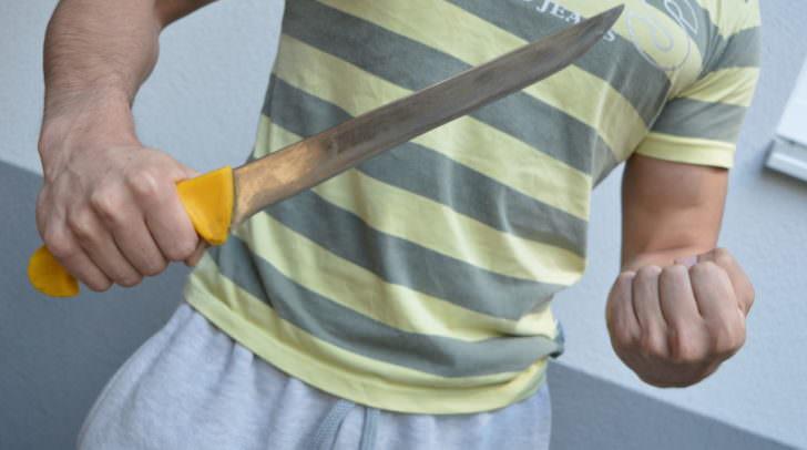 36-jährige Frau aus China wurde mit einem Messer angegriffen