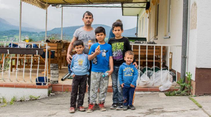 Die Gäste im St. Egydenerhof. Noori Basir und seine Kinder.