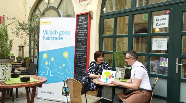 Vizebürgermeisterin Dr.in Petra Oberrauner und Café-Bistro-Bellini-Chef Werner Battista setzen auf die Verwendung von Faitrade-Produkten und laden zu den Info-Tagen nächste Woche ein.