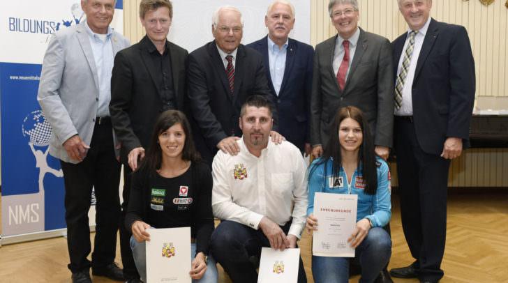 Die erste Sportlerehrung des Landes Kärnten. Nadine Fest (re.) wurde dabei eine große Ehre zu teil