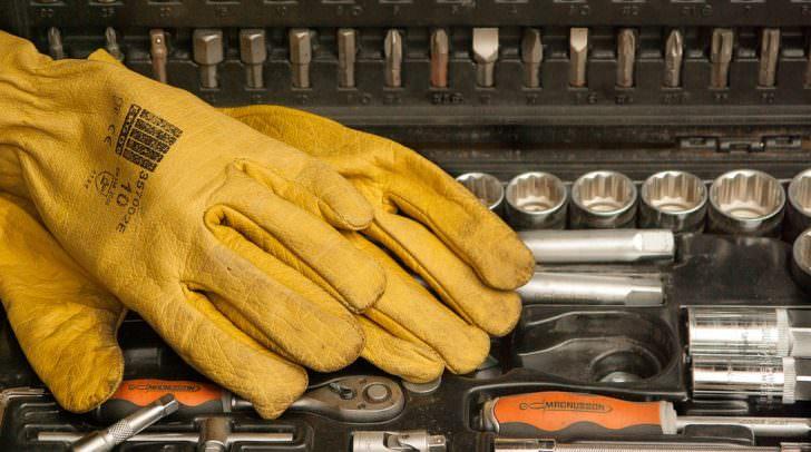 werkzeug gloves-1192164_960_720