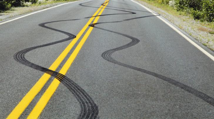 spur straße unfall geisterfahrer