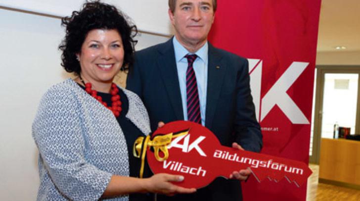 Bei der Eröffnung: AK-Präsident Günther Goach mit Bezirksstellenleiterin Irene Hochstetter-Lackner.
