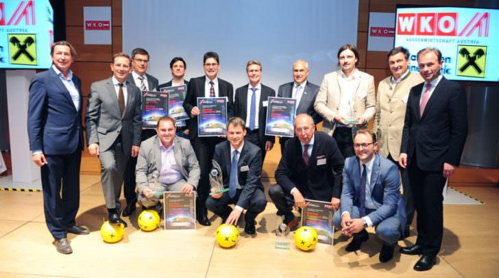 Peter Gauper, Jürgen Mandl, Meinrad Höfferer und Landesrat Christian Benger mit den Gewinnern und Nominierten des 14. Kärntner Exportpreises 2016.