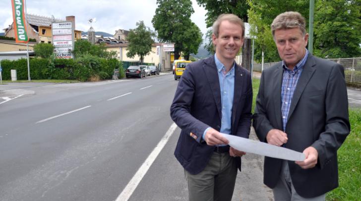 Stadtrat Dipl.-Ing. (FH) Andreas Sucher (links) mit dem Leiter der Abteilung Tiefbau, Ing. Leopold Piechl, MSc, in der Italiener Straße, die von der Richard-Wagner-Straße bis zur KMF-Kreuzung, umfassend modernisiert wird.