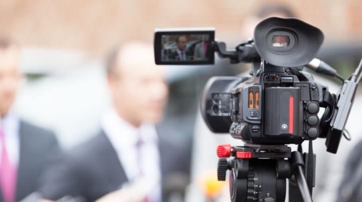 News conference videokamera filmen