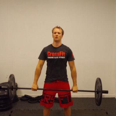 Alle Übungen werden mit starker Intensität durchgeführt