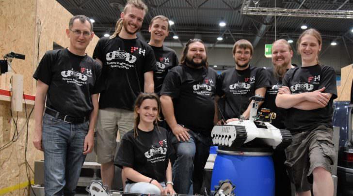 Das Robotik-Team der FH Kärnten freut sich über die Top-Platzierungen beim RoboCup 2016