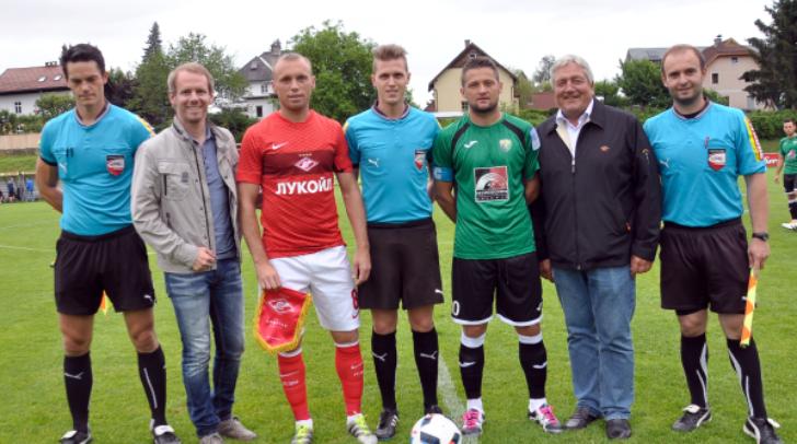 Sportstadtrat Dipl.-Ing. (FH) Andreas Sucher und Gemeinderat Gerhard Kofler besuchten die Moskauer Fußballstars beim Match gegen den NK Velenje in Völkendorf.