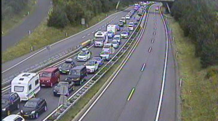 Aktuell über 8 Kilometer Stau und eine Stunde Zeitverlust bei der Reise nach Slowenien - A11 Karawankenautobahn