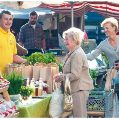 Unsere Märkte sind nicht nur Nahversorger und Feinschmeckeroasen, sondern auch Kommunikationsplätze (Stadt Villach / Hipp)