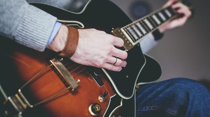 gitarre music-1281642_960_720
