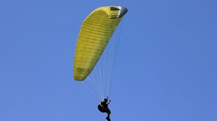 paragliding-200827_960_720
