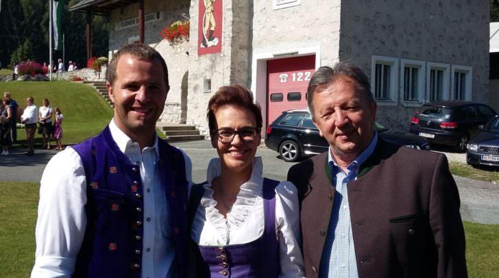 Bgm. Christian Hecher, Stadträtin Katharina Spanring (ÖVP),<br /></noscript> Arnoldsteins Bgm. Erich Kessler (SPÖ) nach der Feldmesse.