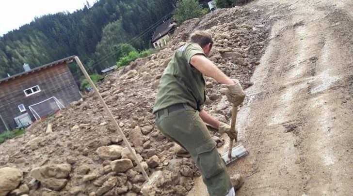 Die Lösung wurde zugunsten der vielen freiwillig engagierten Menschen in Österreich getroffen. Gleichzeitig entstehen beim Arbeitgeber keine Verluste aufgrund von Arbeitsfreistellungen im Zuge von Katastropheneinsätzen.