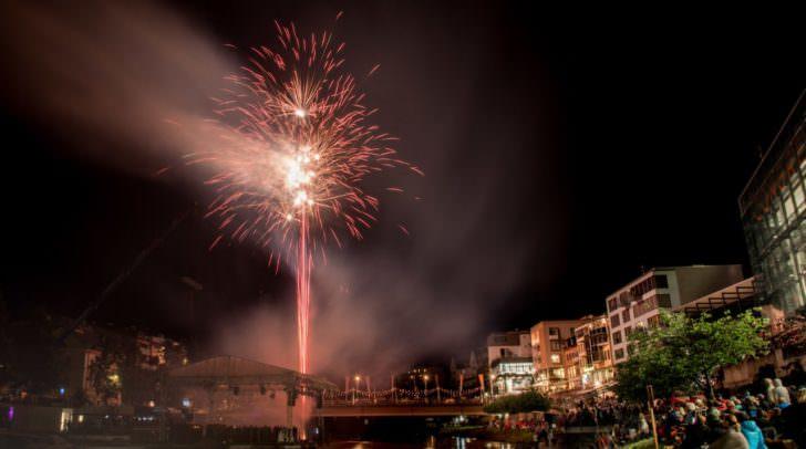 Die Besucher kamen in den Abendstunden in den Genuss eines Feuerwerks