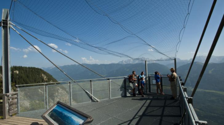 """Auch am """"Skywalk"""" werden die Besucher von den Rangern informiert"""
