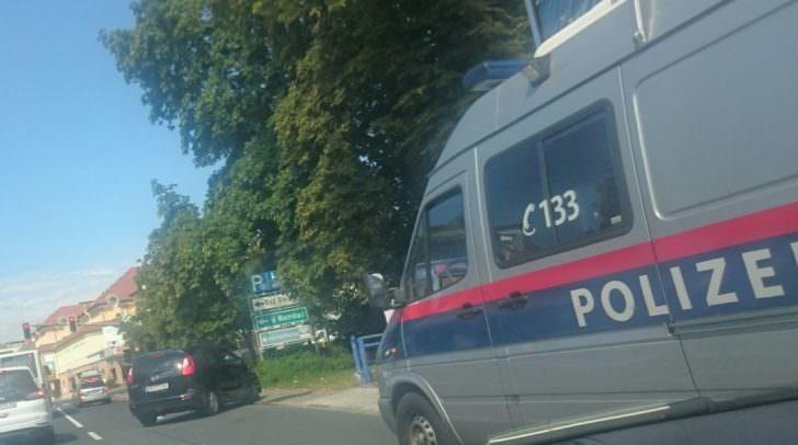 PKW-Crash Kreuzung Globo Plaza Hotel Villach heute Mittag