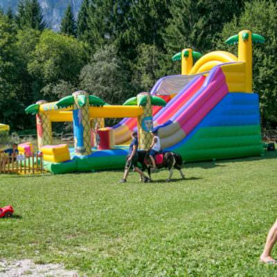 Eine Riesenrutsche sorgte für viel Spaß & Action.