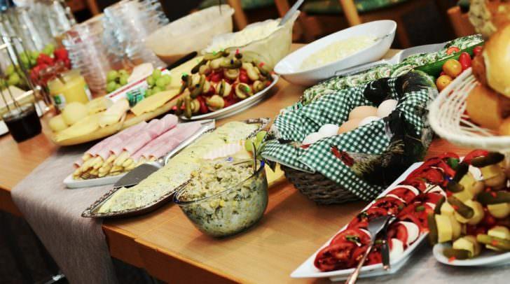 Es fallen jedes Jahr rund 10.000 Tonnen Speisereste in der Kärntner Gastronomie und Hotellerie an - mit der Tafelbox können Reste mit nach Hause genommen werden und landen nicht mehr im Müll