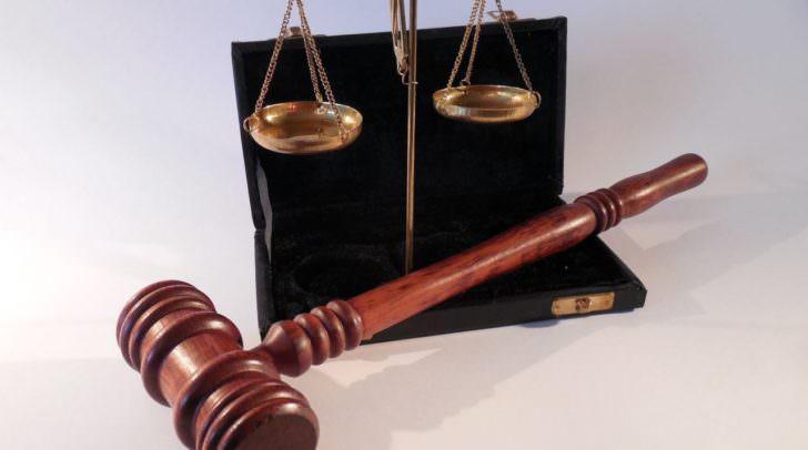 Die Justiz schlägt auch aus dem Ausland zu