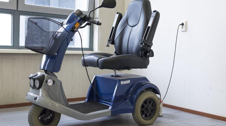 rollstuhl mobility-scooter-1372965_960_720