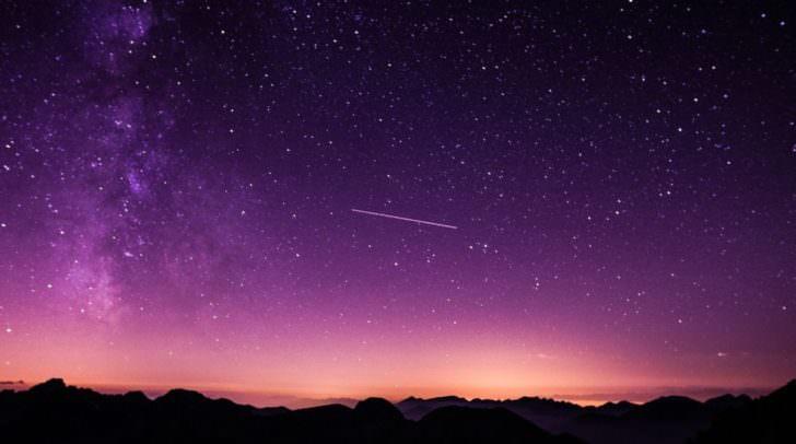 Wünsch dir was! Wer eine Sternschnuppe sieht, hat einen Wunsch frei!