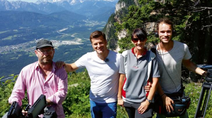 Das ORF-Team Gerhard Lapan, Moderator Mag. Hannes Orasche, Elke Sommer und Lukas Hammerer setzt unseren Naturpark Dobratsch ins allerbeste Licht.