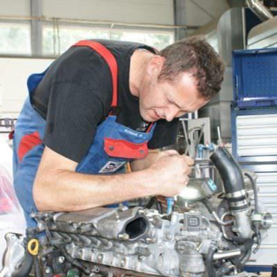 Liebe zum Detail: KFZ-Profi Michael Schnabl legt selbst Hand an!